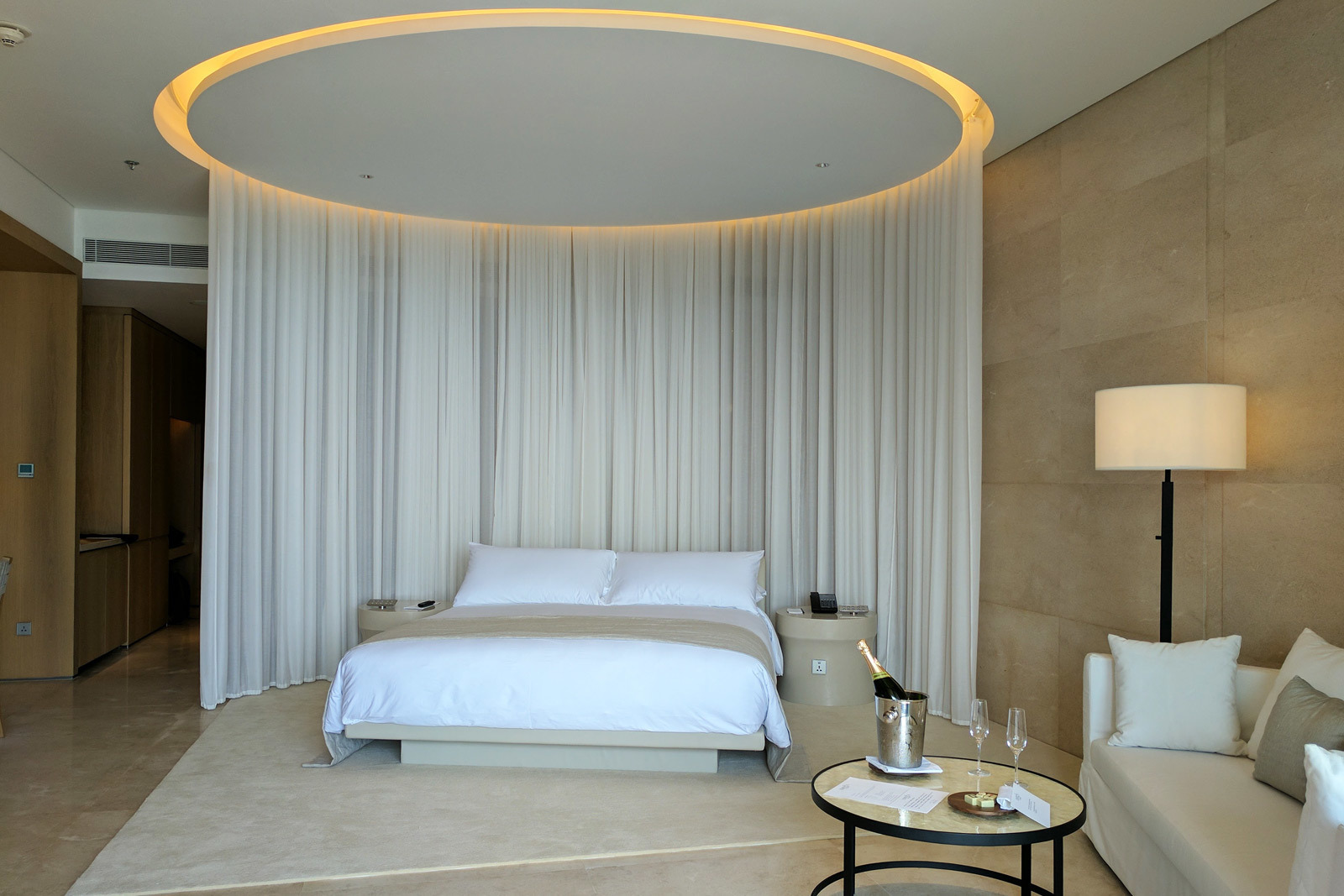 large_EDITION-Hotel-Sanya-Room-01