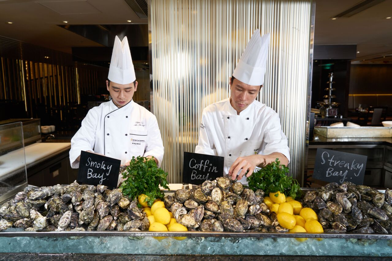 Café on M - Freshly shucked oysters_preview