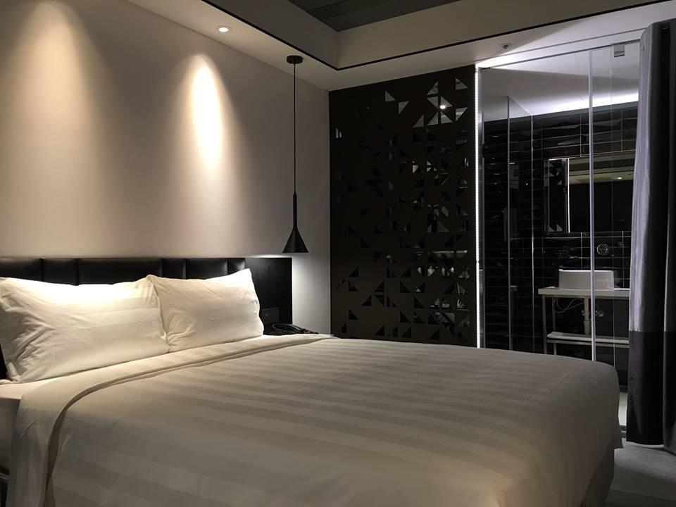 hotel-papa-whale-9