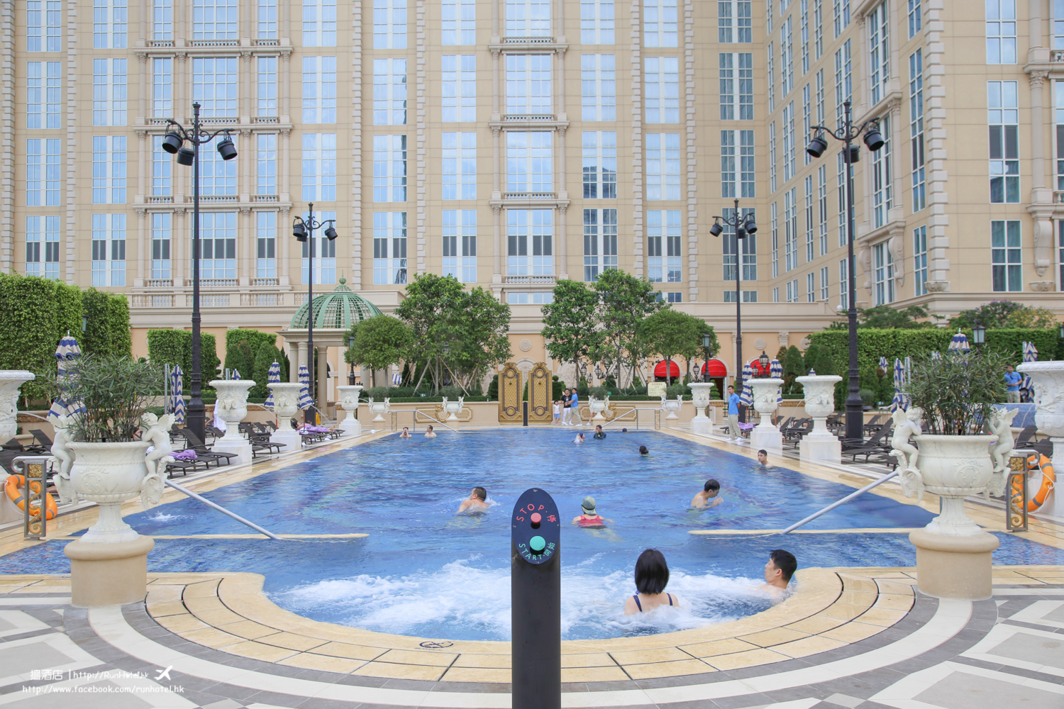 The Parisian Macao Hotel swimming Pool