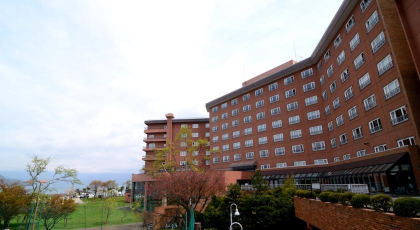 toyako-manseikaku-hotel-lakeside-terrace