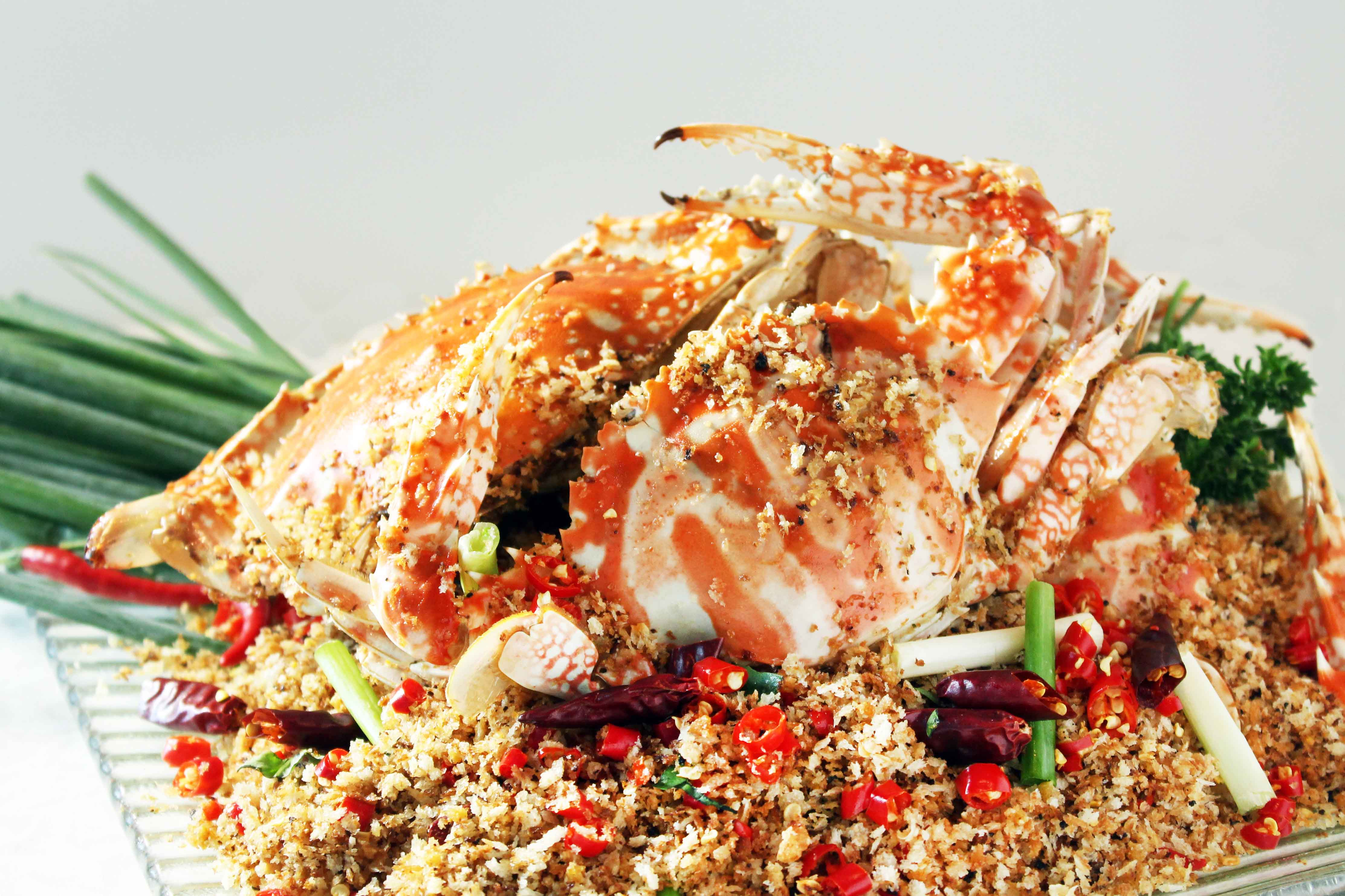 Fried Crab with Fried Garlic, Spicy Salt and Pepper_2