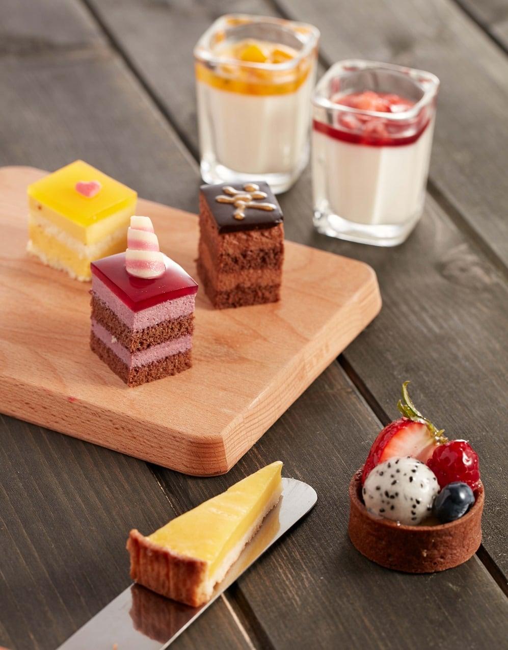 Assorted desserts 2