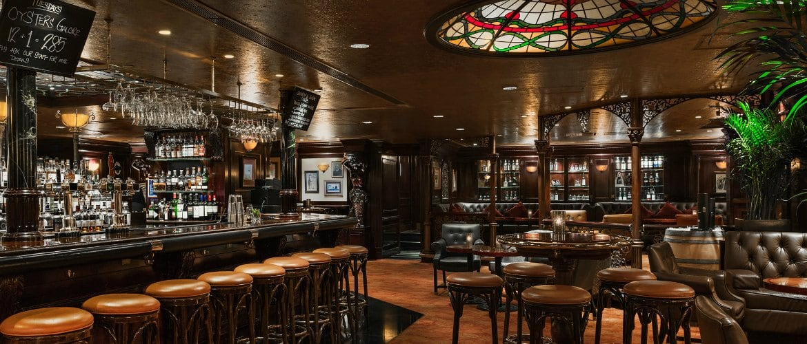 tiffanys-new-york-bar-interior-2017-1170