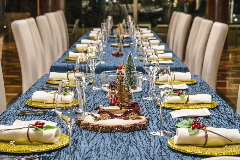 Prompt - Le Méridien Cyberport Christmas table setting