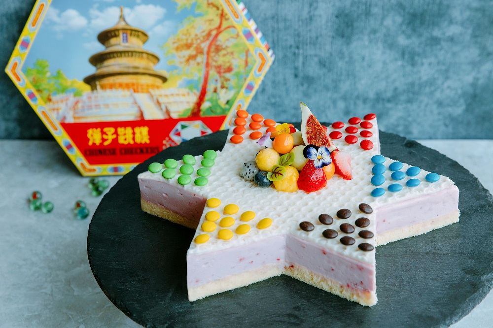 波子棋造型士多啤梨慕絲蛋糕 Strawberry Mousse Cake in Chinese Checkers shape