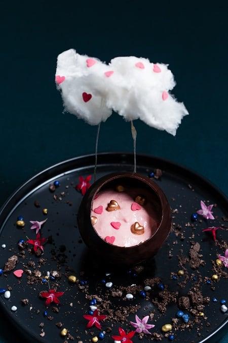我愛您 (士多啤梨蜜糖慕斯、朱古力及棉花糖)I Love You (Strawberry & Honey Mousse, Chocolate, Cotton Candy)