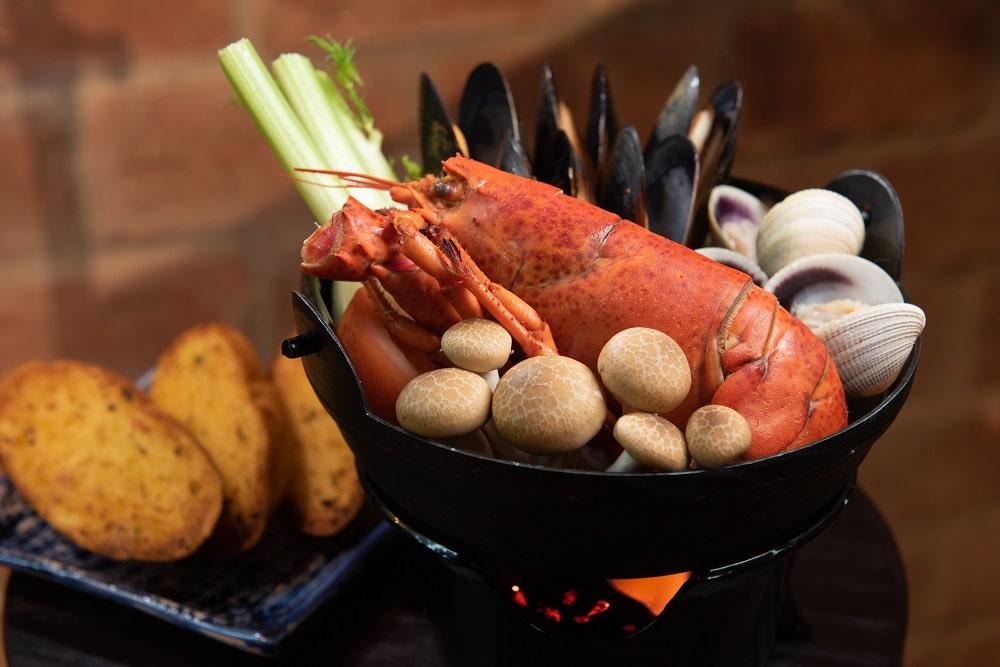 普羅旺斯龍蝦鍋伴蒜茸包