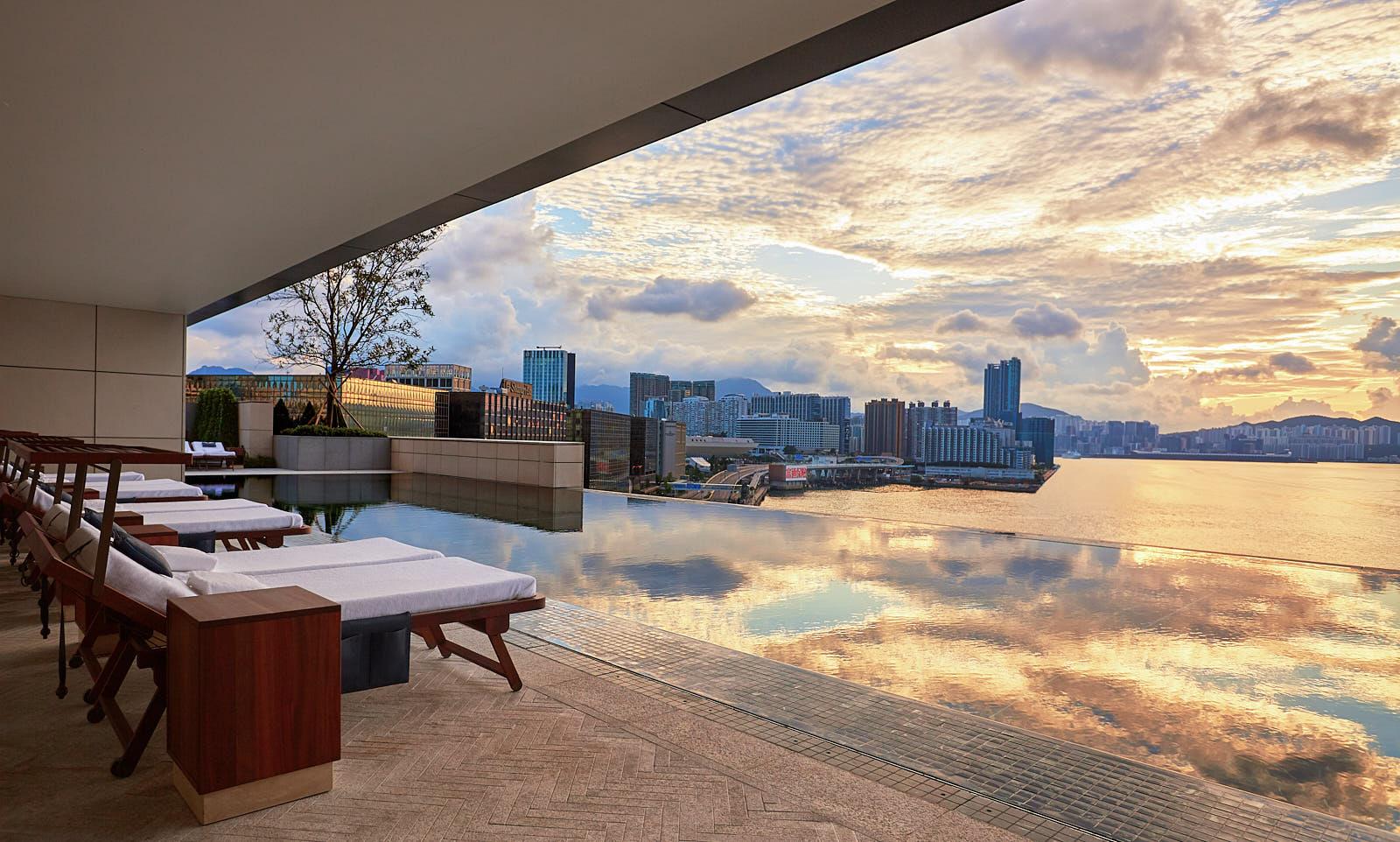Rosewood Hong Kong Swimming Pool